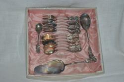 Vastagon ezüstözött rózsafogós desszertes készlet