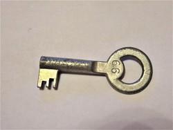 Régi postaláda kulcs 66 jelzéssel