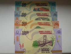 Madagaszkár 100-200-500-1000  Ariary sor 2017 UNC