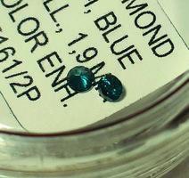 Gyémánt - 0,015 ct, 1,5 mm, kék, természetes, SI, színkezelt