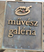 Művész Galéria - Bronz egyedileg készíttetett tábla, cégtábla