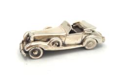 Ajándékba autót ! Ezüst Mercedes 925-ös