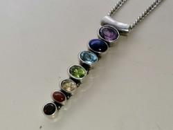 Ezüst medál különböző színű kövekkel ezüst keretben és ezüst láncal 925