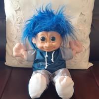 Vicces troll baba, kék hajú