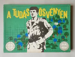 Ritkaság! Régi retró MHSZ A tudás ösvényén tereptani katonai társasjáték játék + 2 db retró plakát