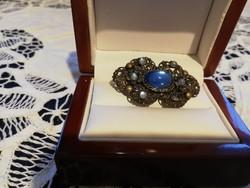 Eladó antik kék köves fém bross!
