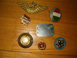7 db mhsz KISZ jelvény kitüző rendőr szocializmus komancs kádár dögcédula sapkajelvény orosz pilóta