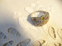 Ezüst gyűrű több fajta kővel