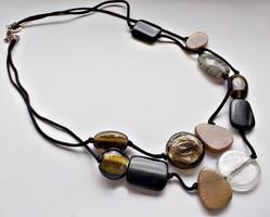 Dupla soros üveg és műanyag gyöngyös nyaklánc