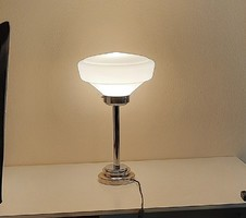 Art Deco asztali lámpa tejüveg búrával