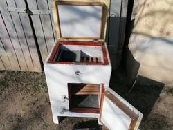 Háboru előtti fa szekrény,jégszekrény,hűtő,tároló,posztamens,disz,jó állapotban,akár működne is
