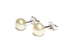Fehér tenyésztett gyöngy fülbevaló 925 ezüst beszúrós igazgyöngy, esküvői ékszer ajándékdobozban