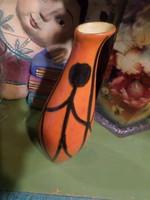 Kb 23 x 8 cm-es , retro , Tófej váza , stilizált emberalakokkal , szép , sérülésmentes állapotban.