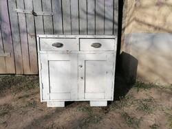 Háboru előtti népi,paraszti fa szekrény,nagyon klassz,kicsi, 2 fiókos,nagyon jó arányai vannak