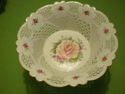 MOGA BMonica  porcelán áttört rózsás talpas kínáló tál hibátlan gyönyörű. 20x12cm.