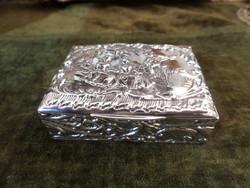 Ezüst szelence / dobozka udvarlási jelenettel