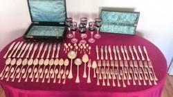 Antik ezüst 12 személyes evőeszközök készlet.