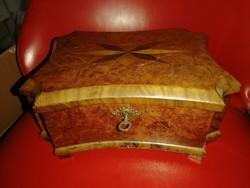 Biedermeier doboz