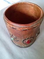 Vastag marhabőr pohár, tolltartó, csiszolt ásvány díszekkel 1970-80