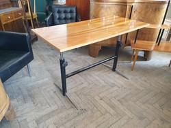 Régi retro krómozott fémvázas állítható magasságú rugós mid century íróasztal asztal