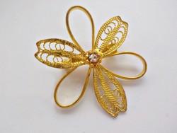 Aranyozott filigrán virág bross