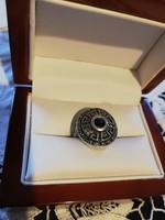Eladó régi kézműves ezüst görög mintás kék köves gyűrű!