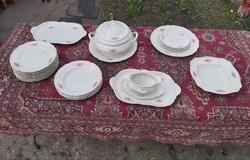 Rosenthal anyagában barokk mintás porcelán étkészlet.