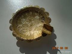 Kézzel készült Dombor  arabeszkkel dísztárgy vagy kis réz hamutartó
