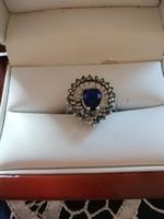Eladó régi kézműves ezüst csepp alakú csillogó kék köves, markazitos gyönyörű gyűrű!