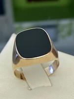 14 karátos arany pecsétgyűrű Onix kővel