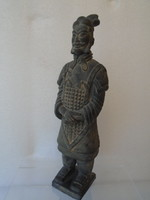 Kínai harcos, régi antik terrakotta szobor, 27,5 cm-es magasságú.