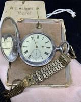 Eladó 1909-es évjáratú duplafedeles Omega zsebóra saját dobozával és tiszti láncával együtt
