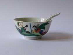 Kínai jelenetes porcelán tálka porcelán kanállal