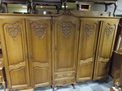 Neobarokk gardrób szekrény