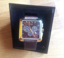 DOXA KRONOGRÁF KVARCÓRA - zafírkristály üveg, minőségi svájci óra, aranyozott nemesacél tok, bőrszíj