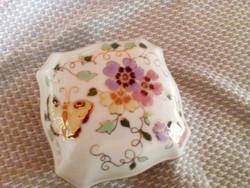 Zsolnay porcelán pillangós bonbonier