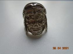 Halálfejes régi motoros sisakos, védő szemüveges, ezüstözött gyűrű