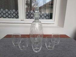 Üveg kiöntő 5 db pohárral