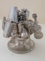 Mini ezüst figura, bolíviai régi ezüst érmén charmokkal