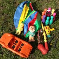 Retro játékok,törpe,autó,strandlabda stb