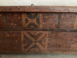 XIX. századi bihari hosszú láda