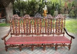 Reneszánsz kanapé