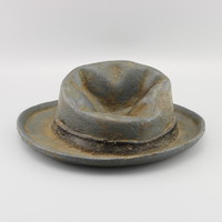 Kalap, szobor, régi öntöttvas kalap szobor