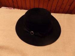 Fekete kalap