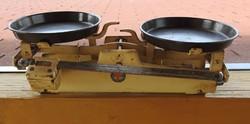 Kétkarú régi csehszlovák - tolósúlyos -  jelzett KOVODÉLNY konyhai mérleg 5 kg