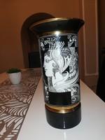 Szász Endre nagy méretű porcelán váza.
