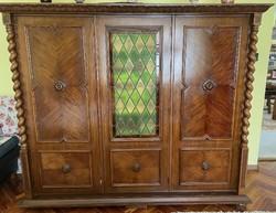 3 ajtós koloniál szekrény