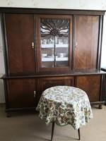 Antik, nagy, egyedi diófa szekrény vitrinnel egyházi hagyatékból
