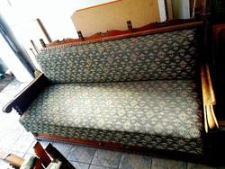 Koloniál kanapé