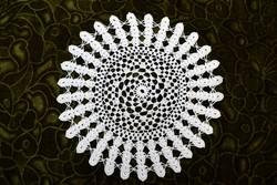 Horgolt csipke terítő kézimunka lakástextil dekoráció kis méretű terítő 24,5 cm